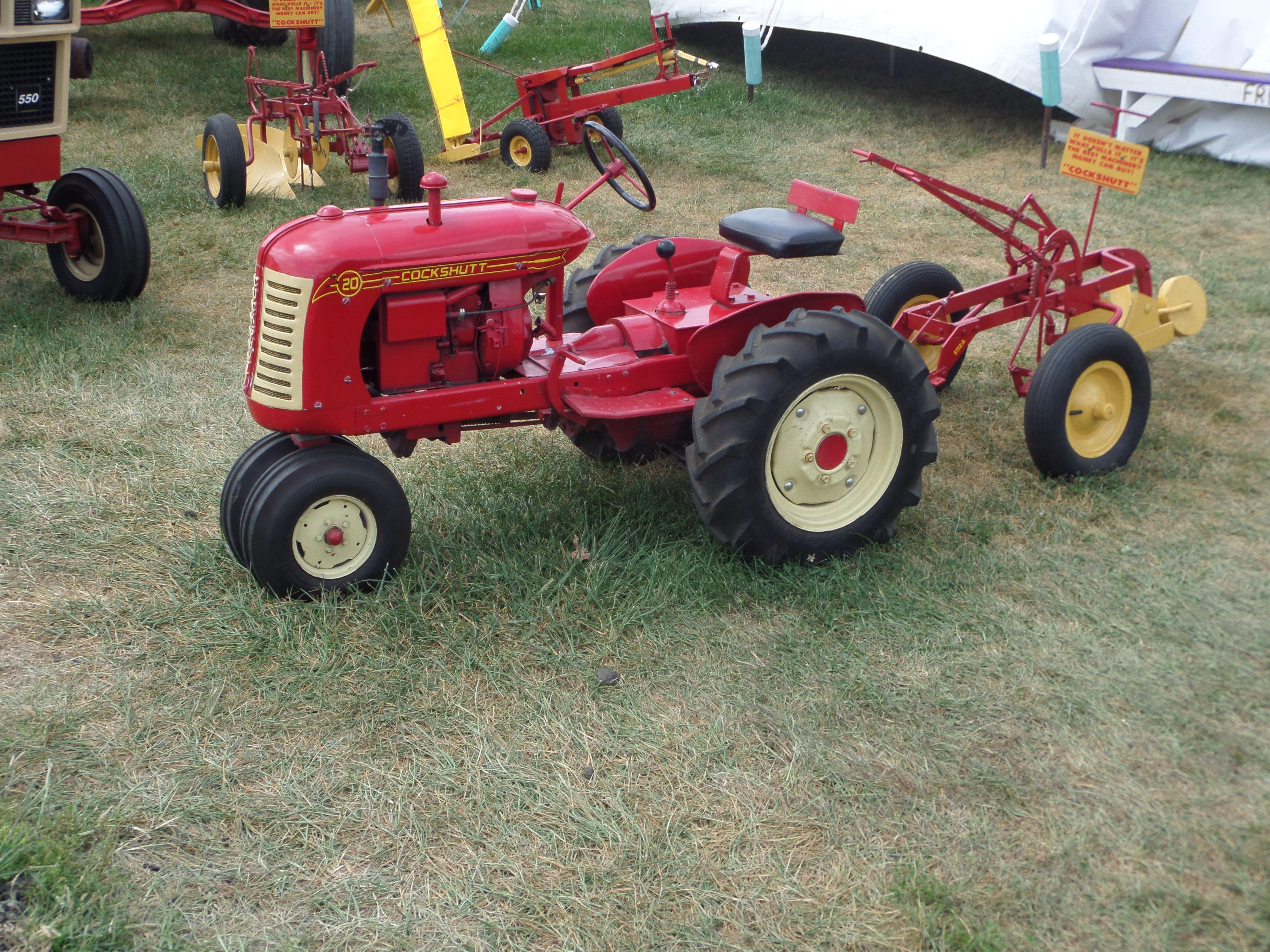 Mini Antique Tractors : Mini cockshutt tractor it runs everything auto truck