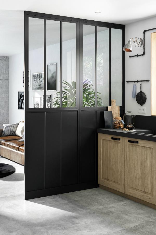 Une Cloison Atelier Entre La Cuisine Et Le Salon En 2020 Cloison