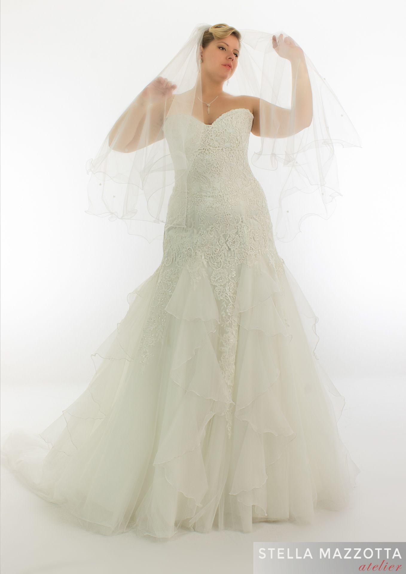 Venite A Trovarci E Vi Permetteremo Di Mostrare Tutta La Bellezza E L Eleganza Che Merita Il Vostro Giorno Piu Bello L Abilita De Abiti Da Sposa Sposa Abiti