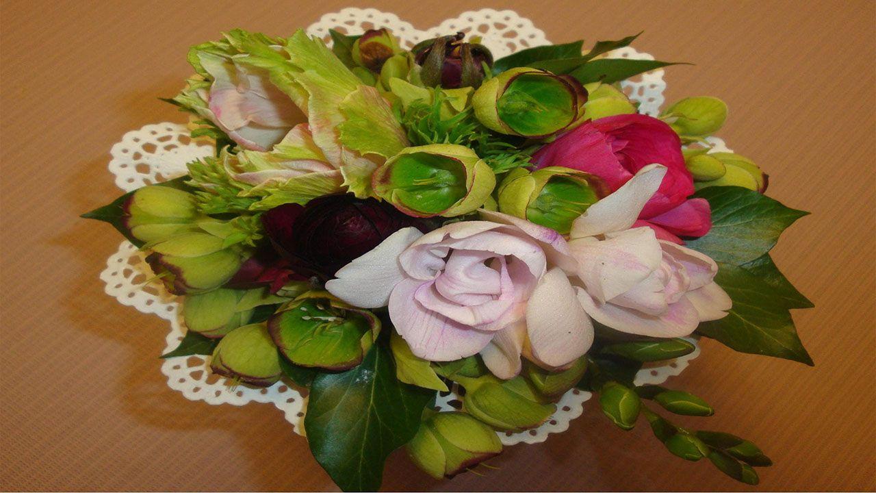 Blumenstrauss Selber Binden Der Biedermeierstrauss Floral