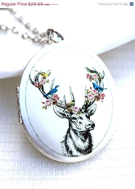 ON SALE Fall Deer Locket,Large Silver Oval Locket,Photo Locket,Large Silver Locket,Wedding Necklace,Wedding Jewelery, Bride,Flower.Blossom,