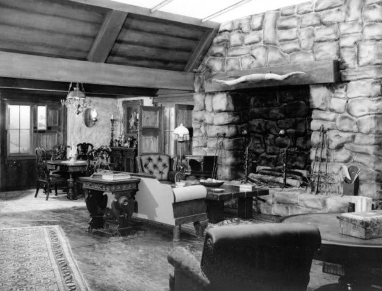 Paramount Studios Standing Kitchen Set