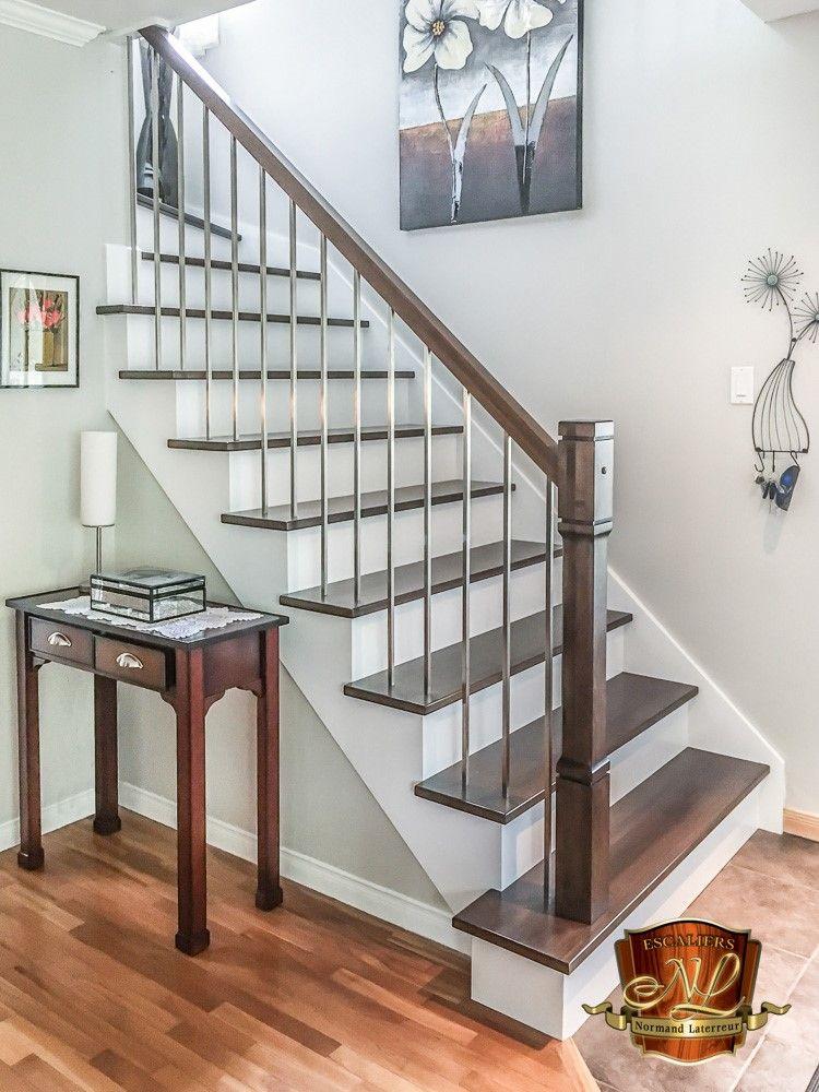 Materiel Et Installation D Un Escalier En Erable Avec Marches Nez