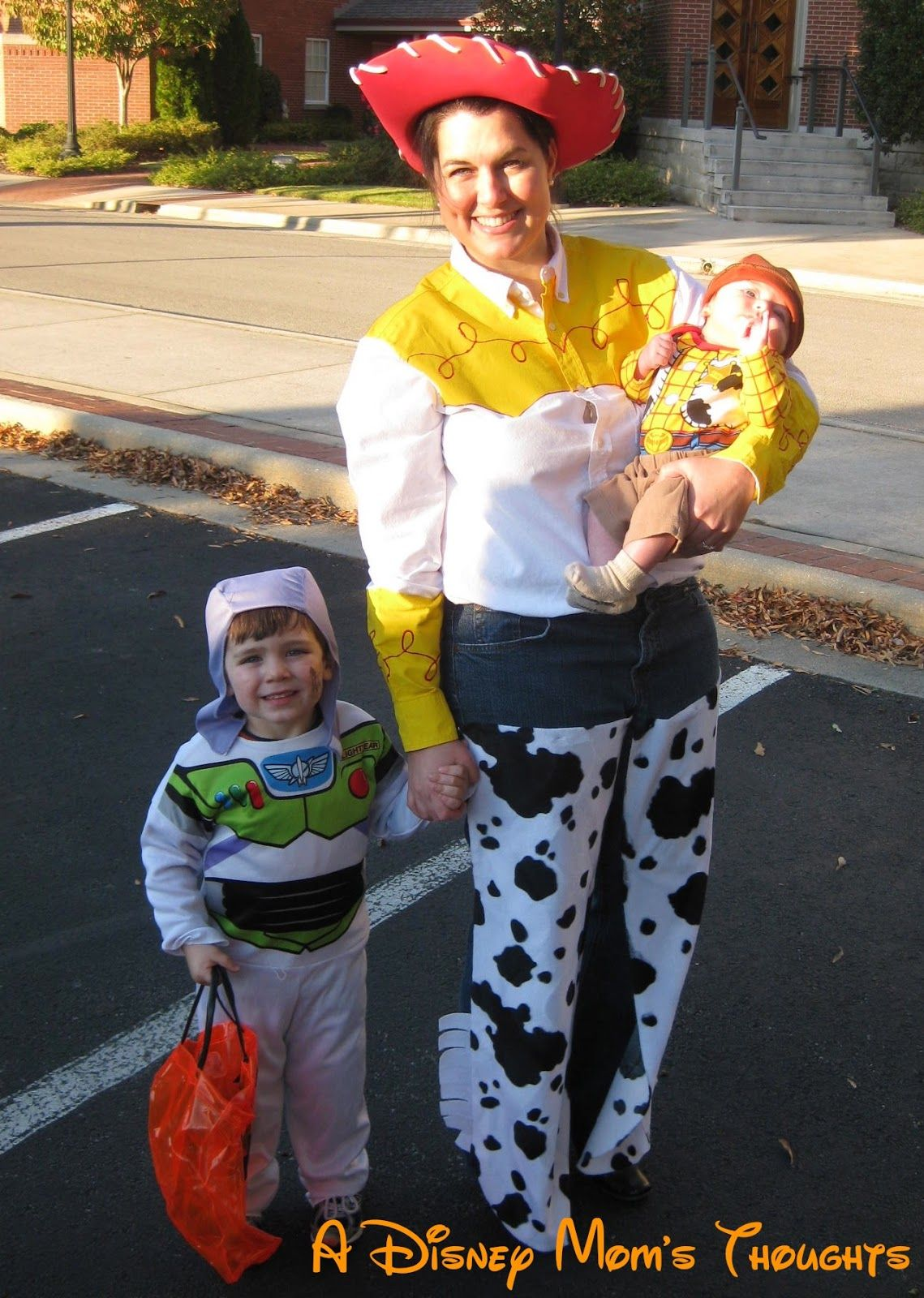 Jessie, Buzz and Woody costumes from Toy Story...how cute is that ...