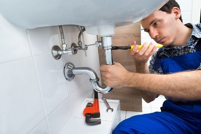 How to Search For a Competent Plumber for Upkeep of the Plumbing System?