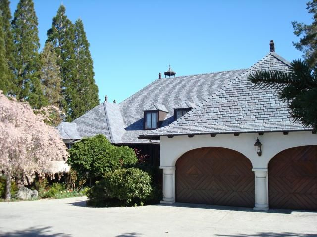 Fire resistant davinci roof eases homeowner concerns for Fire resistant roofing