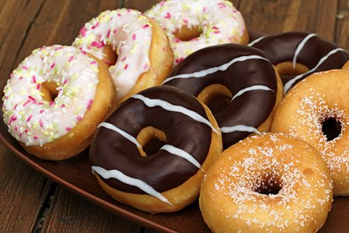 طريقة عمل الدونات بالفرن الشهية واللذيذة وكيفية تزين الدونات Delicious Donuts Desserts Chocolate Donuts