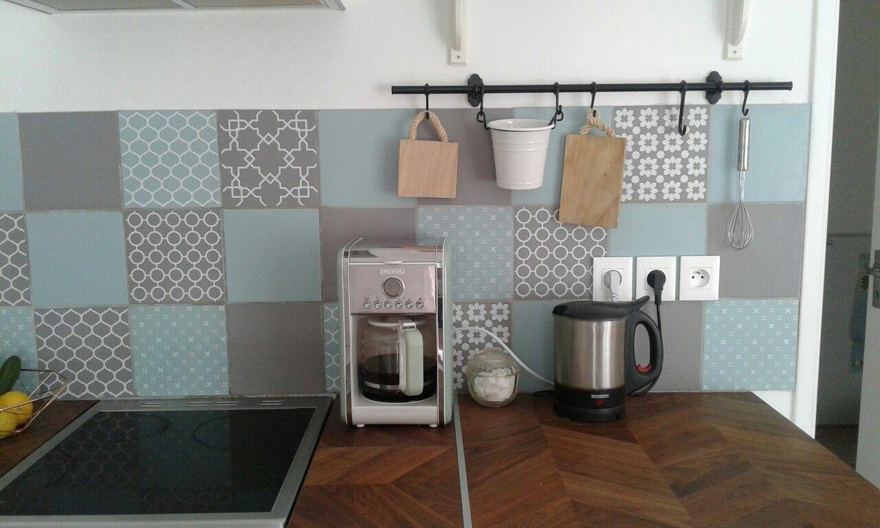 Credence de cuisine en carrelage Astuce de LEROY MERLIN, vert sauge ...