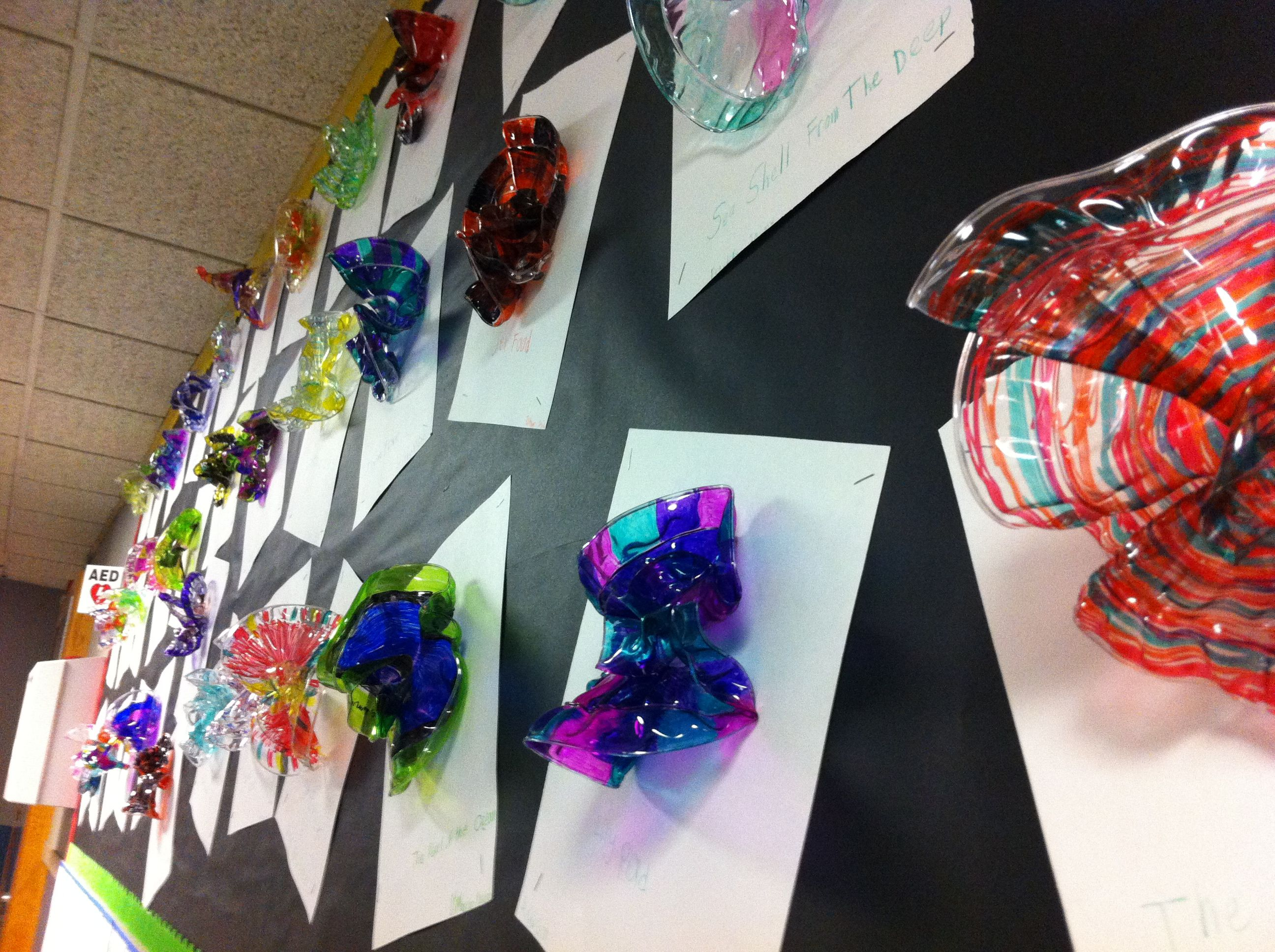 Chihuly art using heavy clear plastic plates sharpies for American crafts zap embossing heat gun