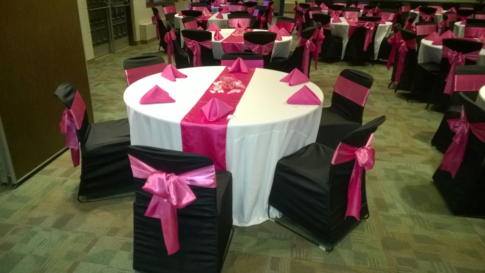 Folding chair covers with sash - Black Chair Covers With Hot Pink Satin Sashes Traditional Bow White Table Linens