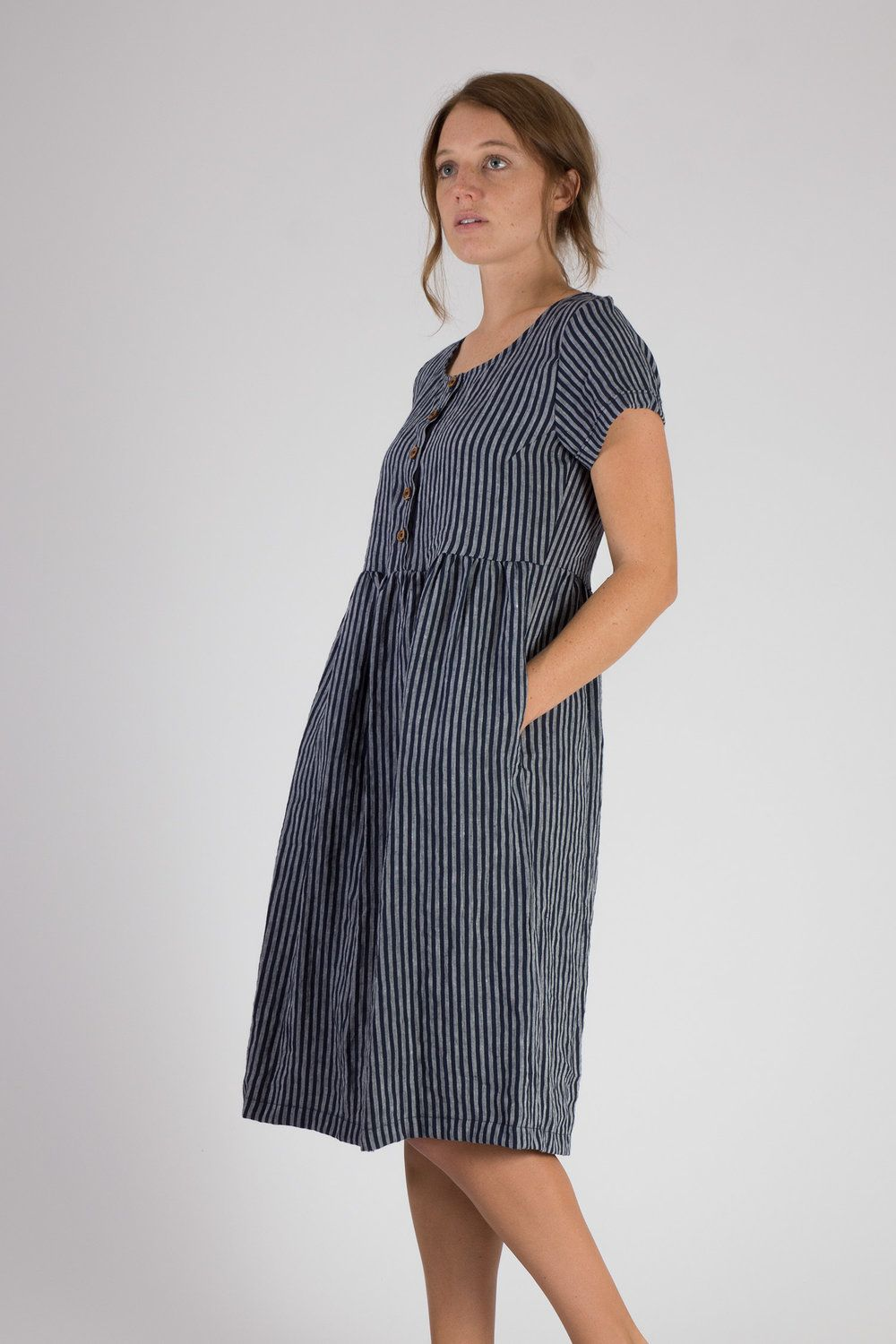 Linen dress: fashion models and styles 28