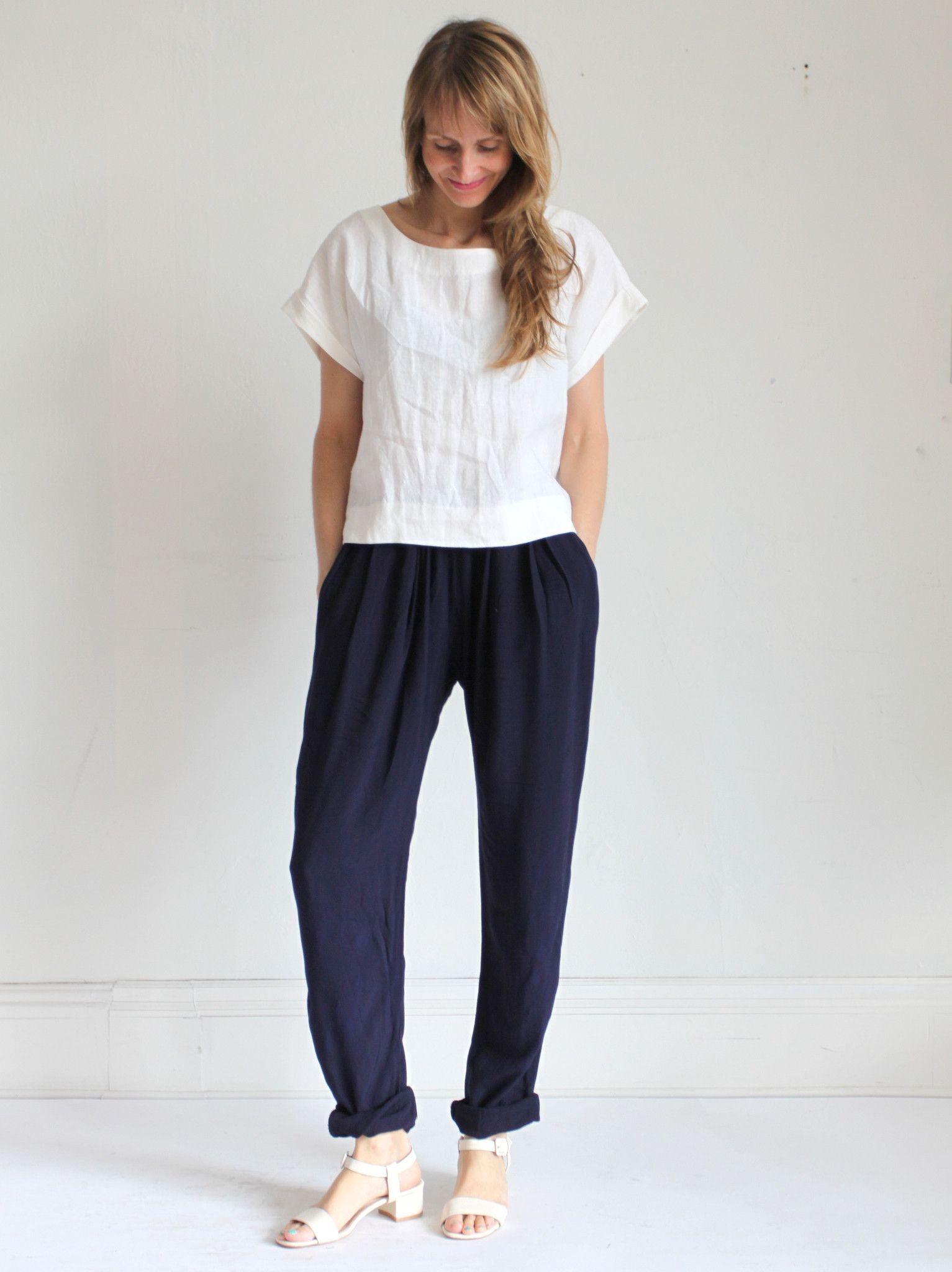 Black Crane Pleats Pants - Navy