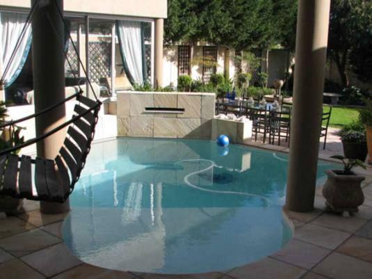 Small Pool Pool Swimming Pools Spa Pool
