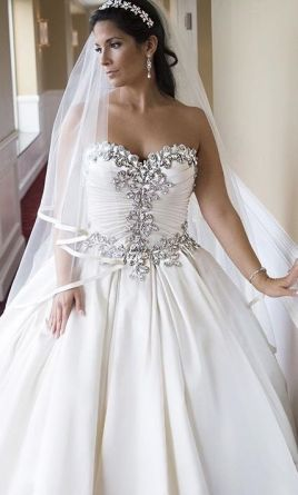 Pnina Tornai This Dress For A Fraction Of The Salon Price On Preownedweddingdresses