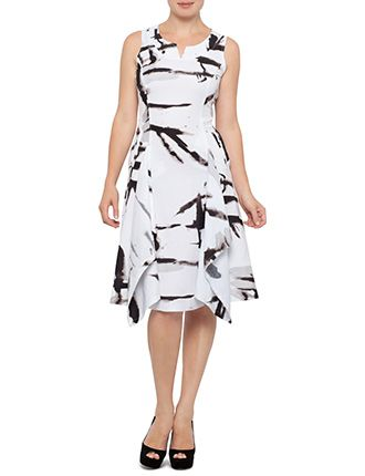 9 Flattering Dresses for Apple Shaped Women! - Mama Stylista ...