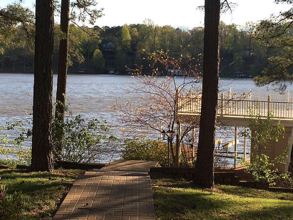 Lake gaston 850949 your waterfront getaway