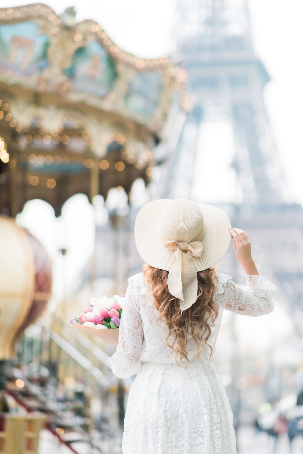 Location: Paris, Tour Eiffel. Missguided white lace midi skirt.Chicwish white lace shirt. Summer straw hat. Nike sneakers. All white OOTD.