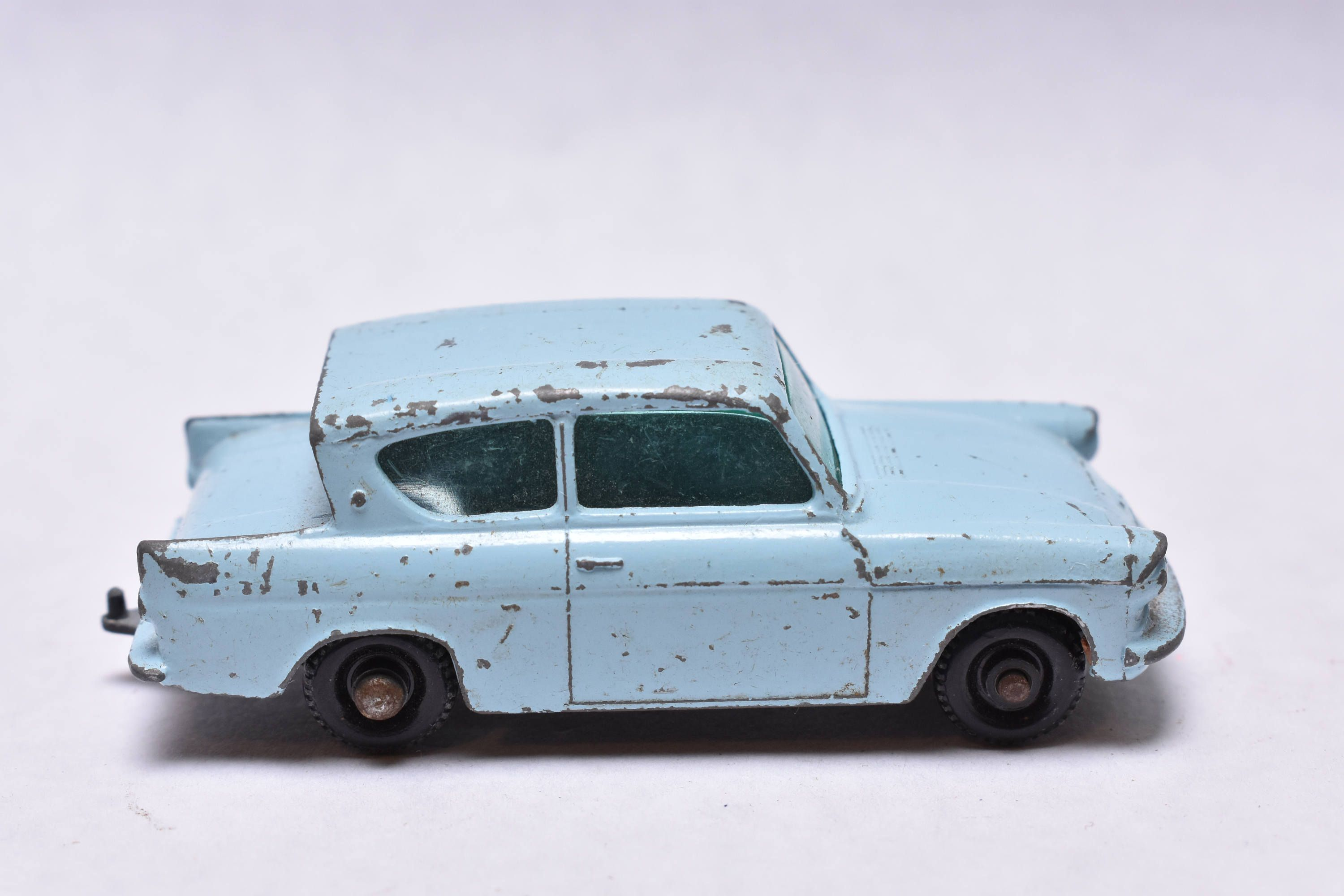 Matchbox Lesney No 7 Ford Anglia Light Blue 2 Door Sedan 1960 S Made In England Original Vintage Die Cast Toy Car Collection Matchbox Cars Toy Car Matchbox