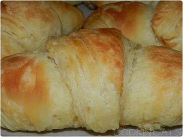 Les croissants... on s'en fait tout un monde et finalement c'est ultra simple ! Maintenant je me demande pourquoi je n'avais pas tenté d'en...