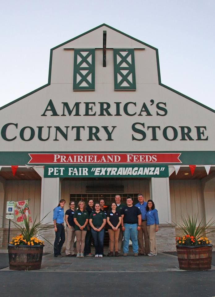 "SAVE THE DATE! Come see @Hospice_Hearts 9/24 & 9/25 at PRAIRIELAND FEEDS #Savoy #IL for the ""2016 Pet Fair"" RT!"
