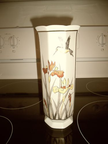 Golden Chokin Art Porcelain Vase Iris Hummingbird 105 Tall