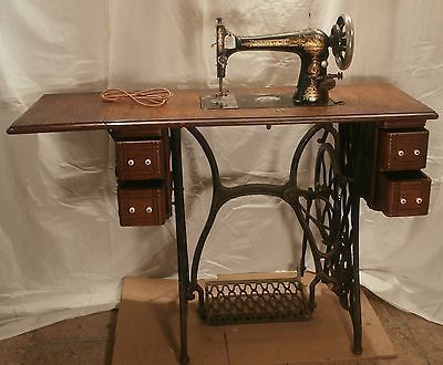40 Antique SINGER Treadle Sewing Machine Original Cabinet Classy Original Sewing Machine