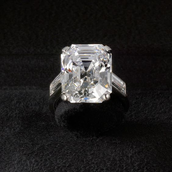 In Prince Rainier III Of Monaco Asked For Grace Kellyu0027s Hand In Marriage  With A Emerald Cut Cartier Diamond. The Star Chose To Wear This Ring U2013 A  Sleek, ...
