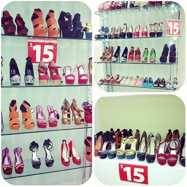 Tremendo especial de zapatos de damas a $15us en Fashion District segundo nivel de #sanjuanshoppingcenter #bavaro #puntacana #fashion #sjsc