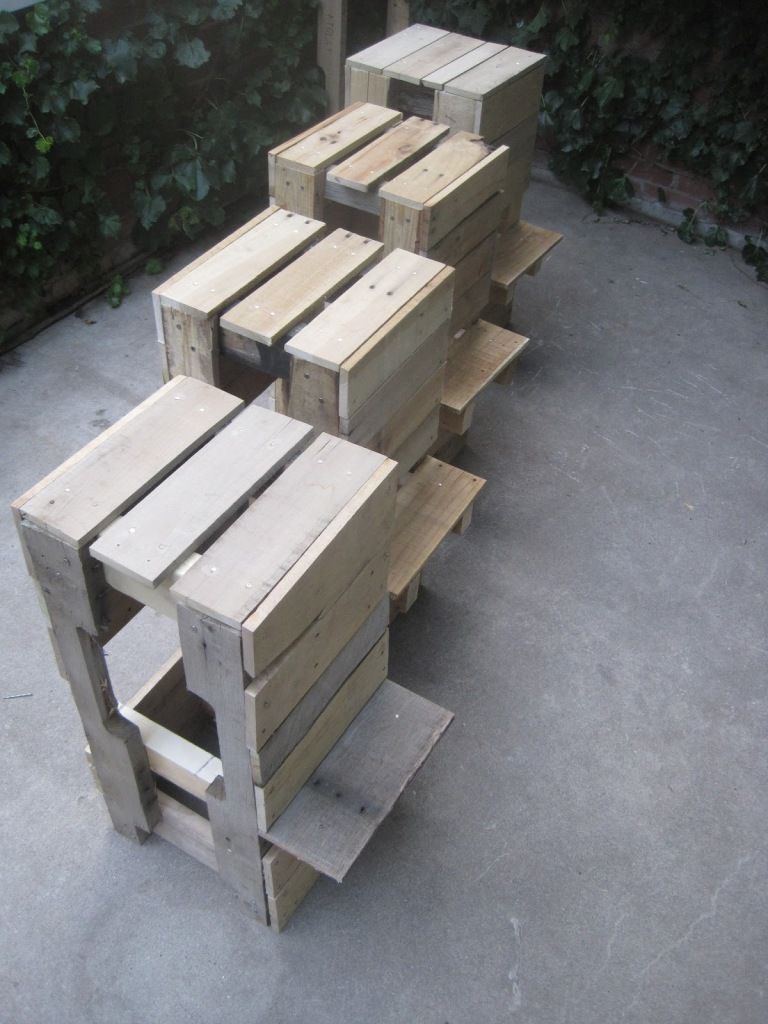 Kreative Palettenmöbel Selbstgebaute Stühle Und Sessel Aus Europaletten Möbel Aus Paletten Palettenbar Barhocker