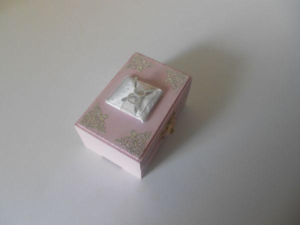 Ring bearer Box Pink and Silver by Tonya Vannabouathong, via Behance