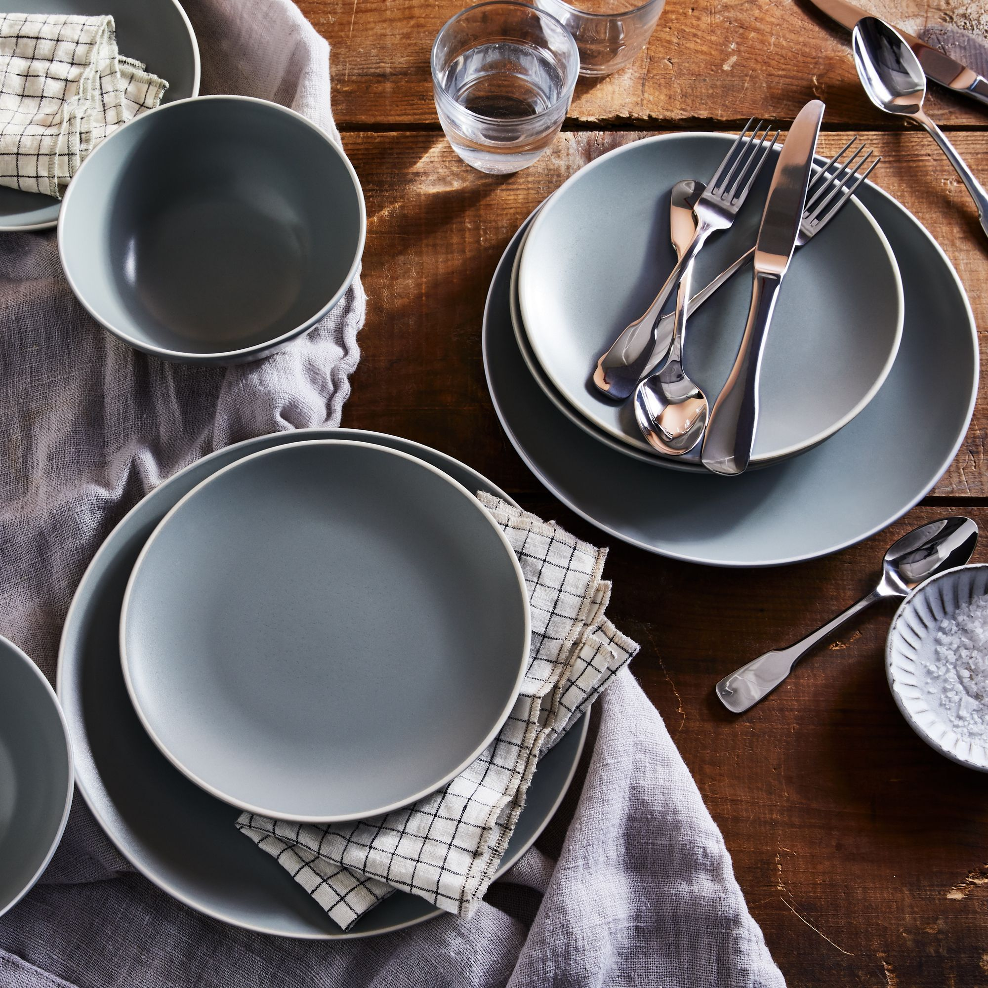 Classic Stoneware Dinnerware Best Affordable Dinnerware Set For Everyday Use Stoneware Dinnerware Dinnerware Dinnerware Set