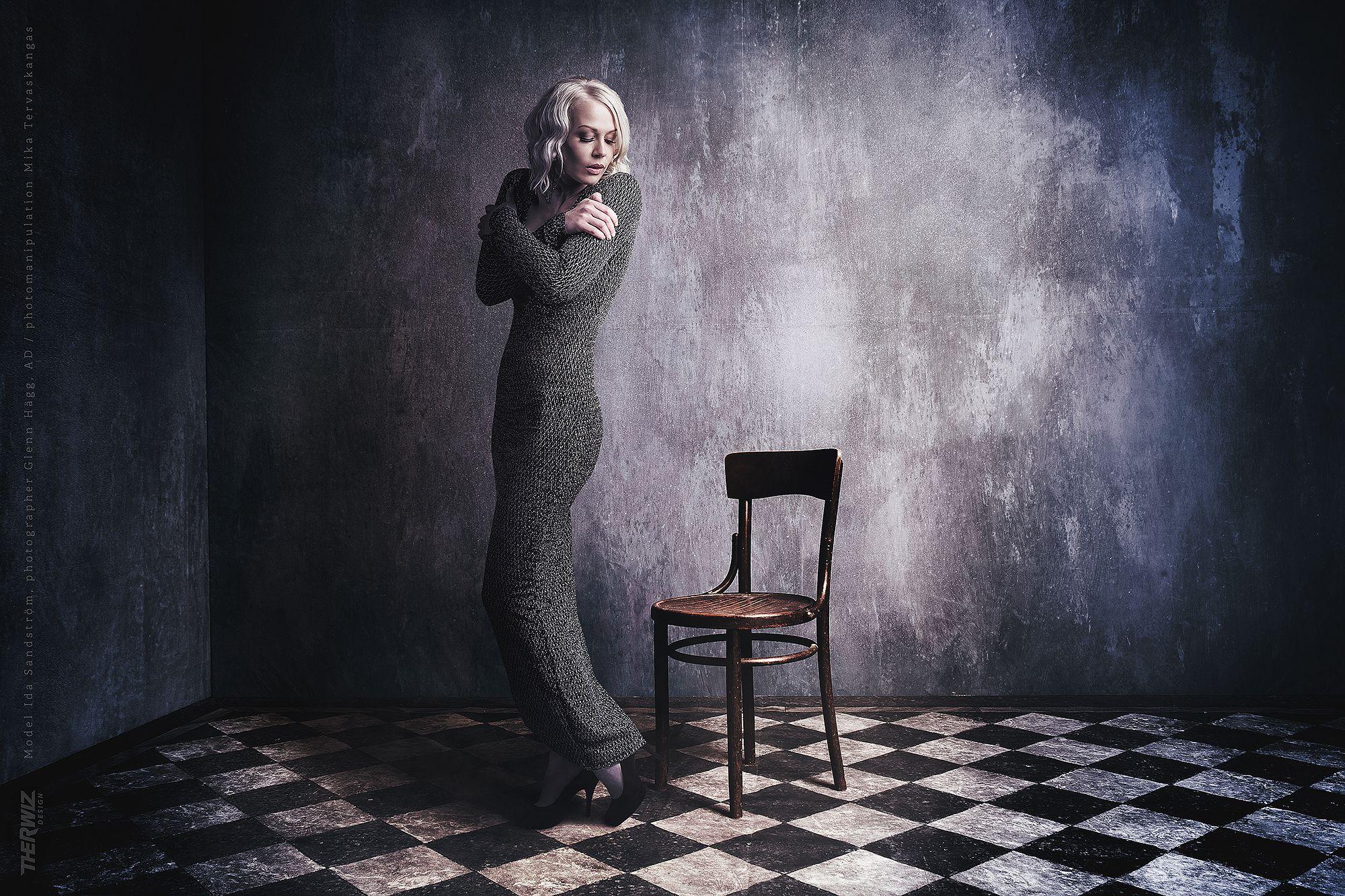 Ida Sandström model photo, lightning, vintage, classic, photo manipulation Mika Tervaskangas / Therwiz Design / Glenn Hägg. mallikuvaus, malli, kuvamanipulaatio, kuvankäsittely, photoshop, kuva, ulkoasu Mika Tervaskangas / Therwiz Design.  #Therwiz #MikaTervaskangas #TherwizDesign #layout #photo #photomanipulation #vintage #oldstyle #retro