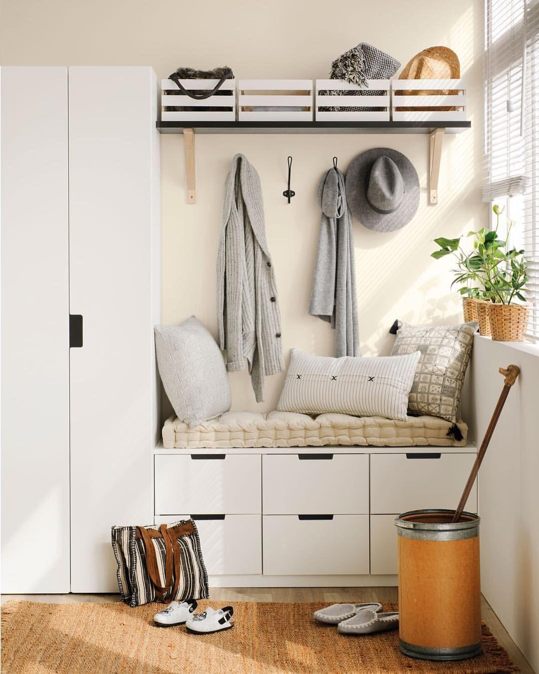 Hallway coat closet   Me gusta  comentarios  El Mueble elmueble en Instagram