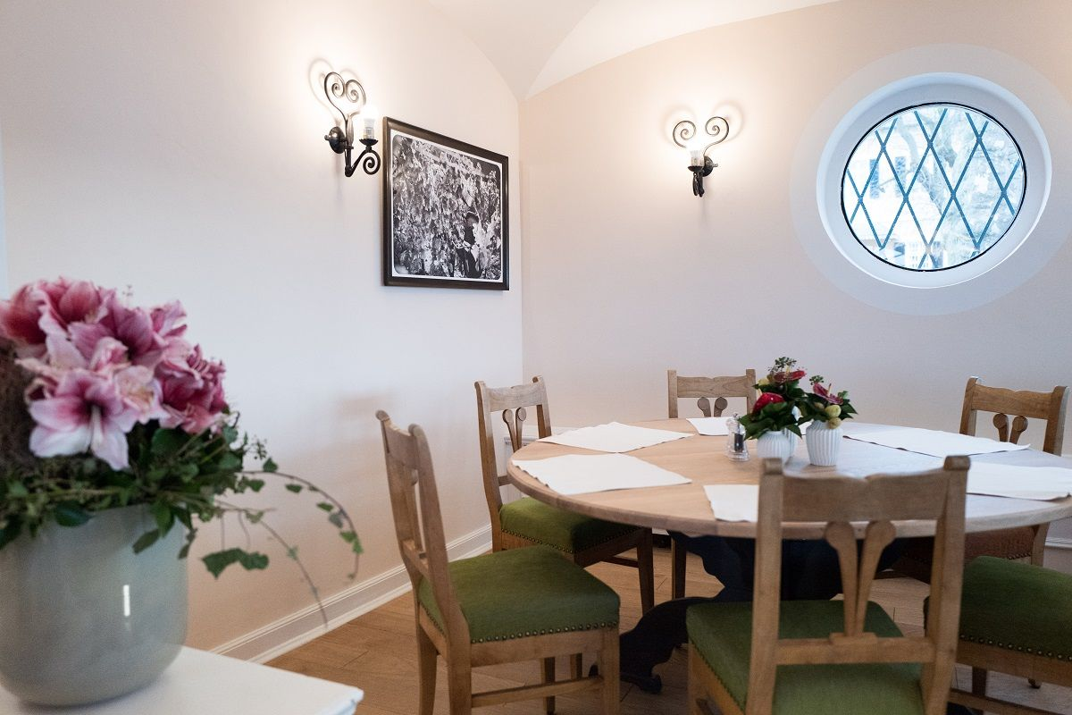Schlossschänke auf dem #Johannisberg | Rhein Main Genuss | Pinterest ...