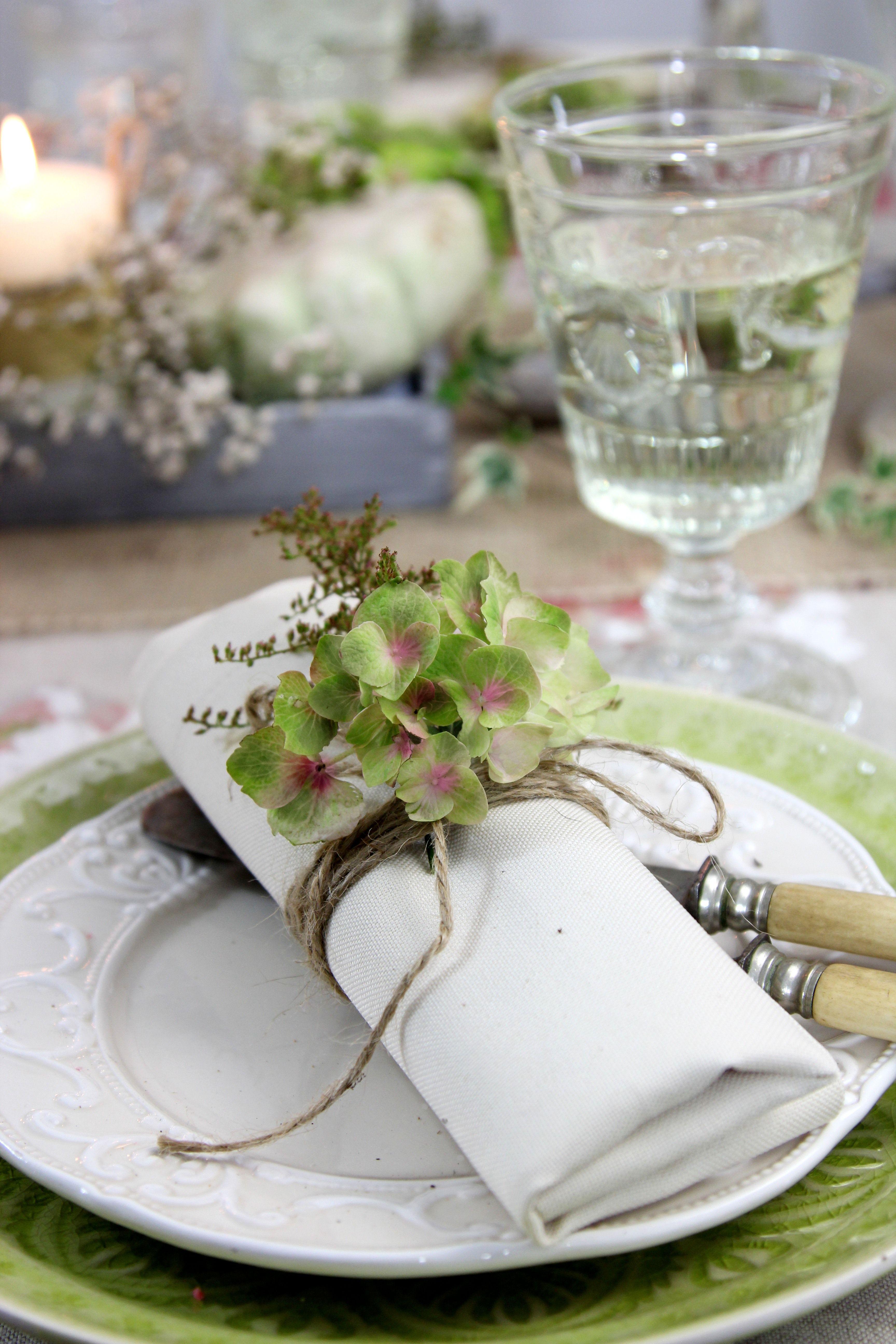 Serviettendeko herbst mit verbl hten hortensien und - Tischdekoration taufe ...