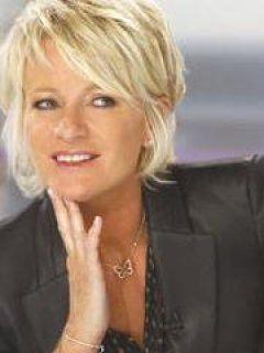 Coiffure Courte Sophie Davant Haarschnitt Kurzhaarfrisuren Feines Haar Frisuren Fur Stufenschnitt