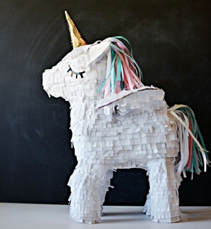 fabriquer une pinata plus de 80 projets sympas r aliser soi m me unicorns birthdays and craft. Black Bedroom Furniture Sets. Home Design Ideas