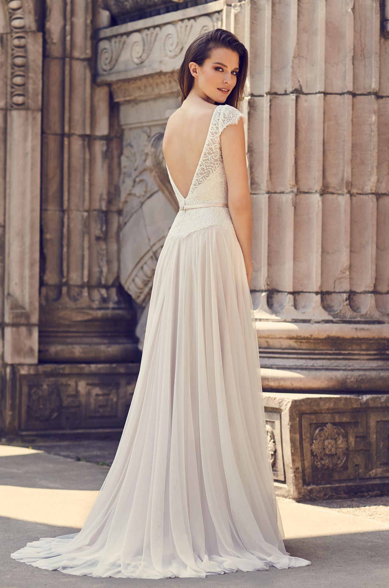 fa683586d Elegant Cap Sleeve Wedding Dress
