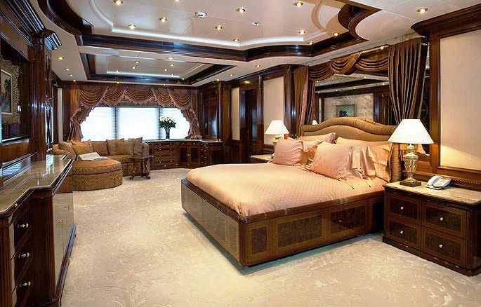 Luxurious yacht interiors superyacht apoise interior for Yacht interior design decoration