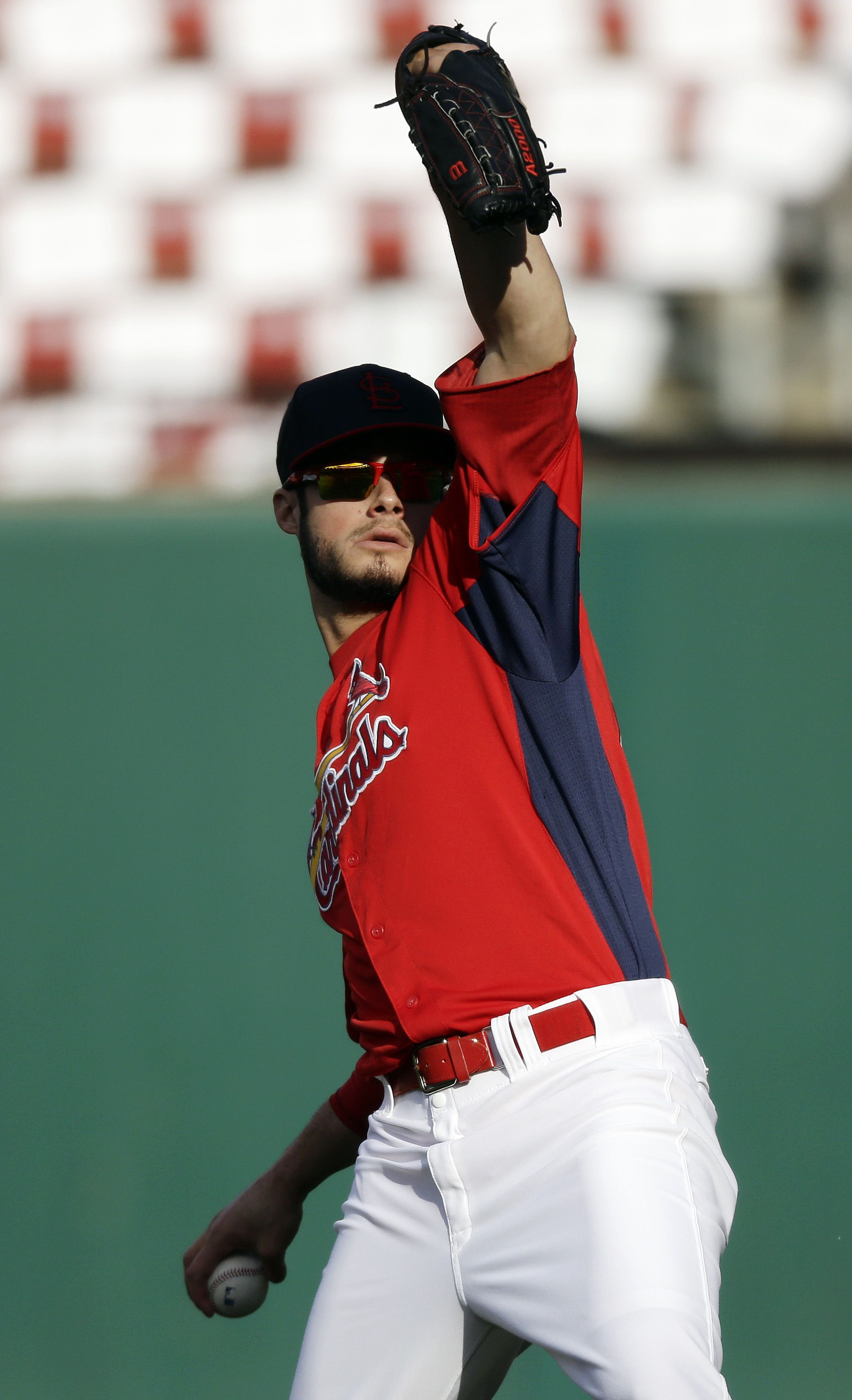 St Louis Cardinals Joe Kelly Warms Up Before Game 5 Of Baseball S World Series Against The