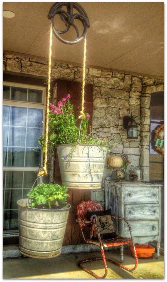 Vintage Cast Iron Pulley Is A Perfect Flower Pot Holder And Bucket Of Fun Ideas De Jardineria Macetas Colgantes Jardineria En Macetas