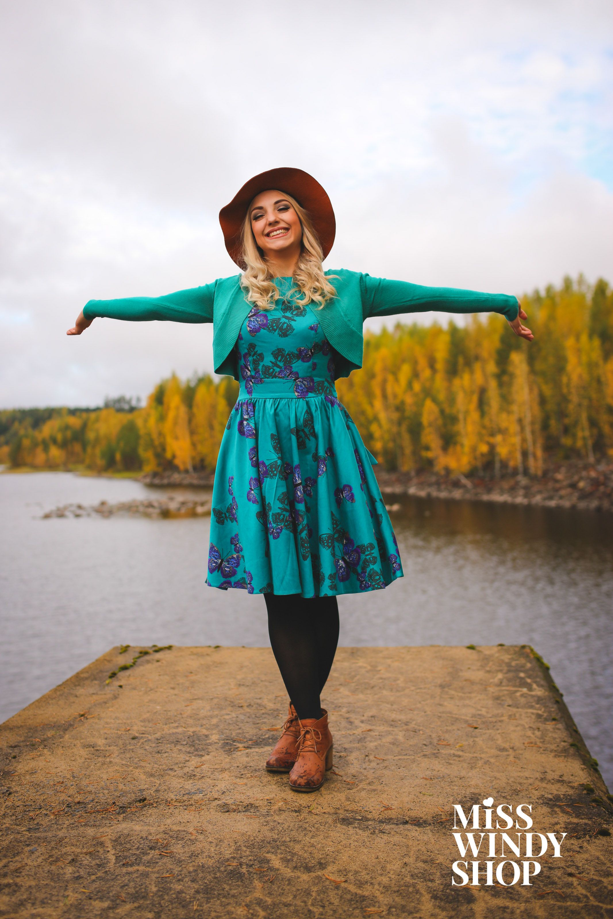 Welcome, autumn! (c) misswindyshop.com #autumn #dress #adventurer #shrug #teal #butterfly #hat #blonde #dressrevolution #mekkovallankumous