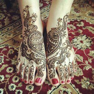 Simple Mehandi Art for Feet