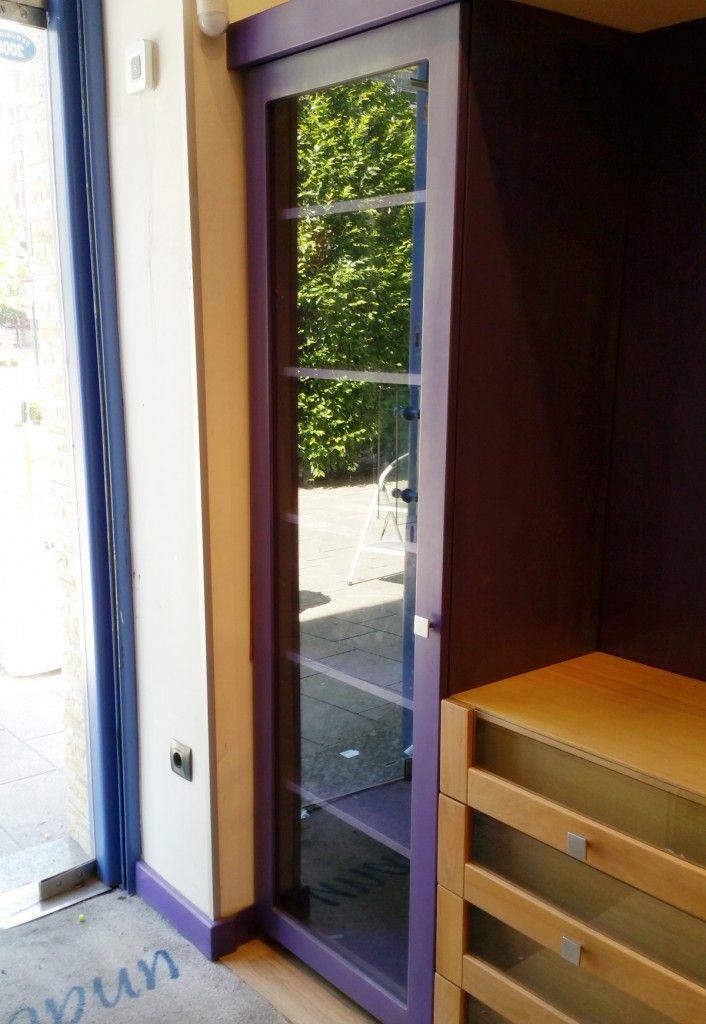 Quieres Mostrar Tu Producto De Manera Ordenada Muebles Vitrinas Puerta De Cristal
