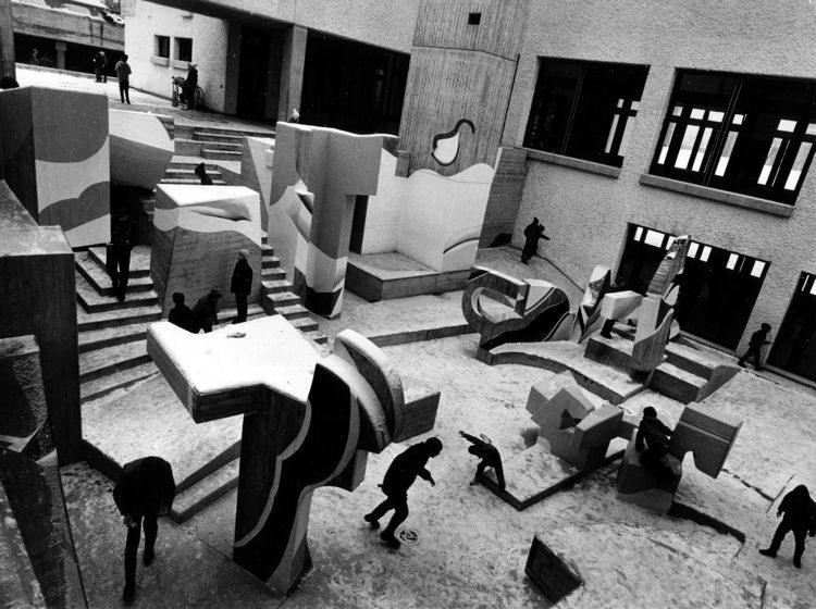 Rob Gnant, Zurich Playground, Public space, Primary school