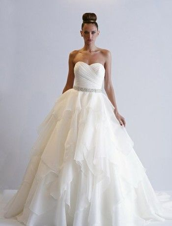 Alita Graham Sweetheart A Line Gown In Silk Organza Wedding Weddingdress Klienfeld Wedding Wedding Dress Wedding Princess Ball Gowns Wedding Dress Trends