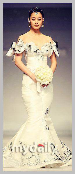 Kim Tae Hee Princess Korea Wedding Fashion Show