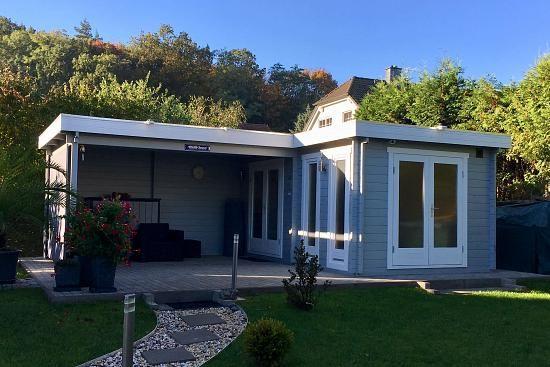 Kundenbild Flachdach Gartenhaus Modell Quinta44 ISO