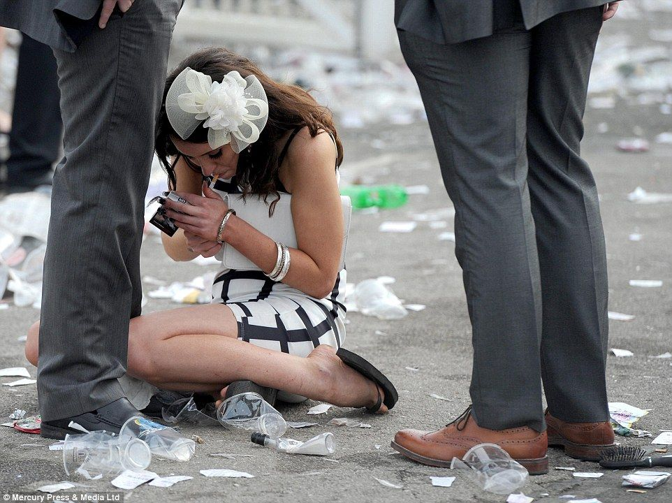 Ladies Day At Aintree Draws To A Close Flipping High