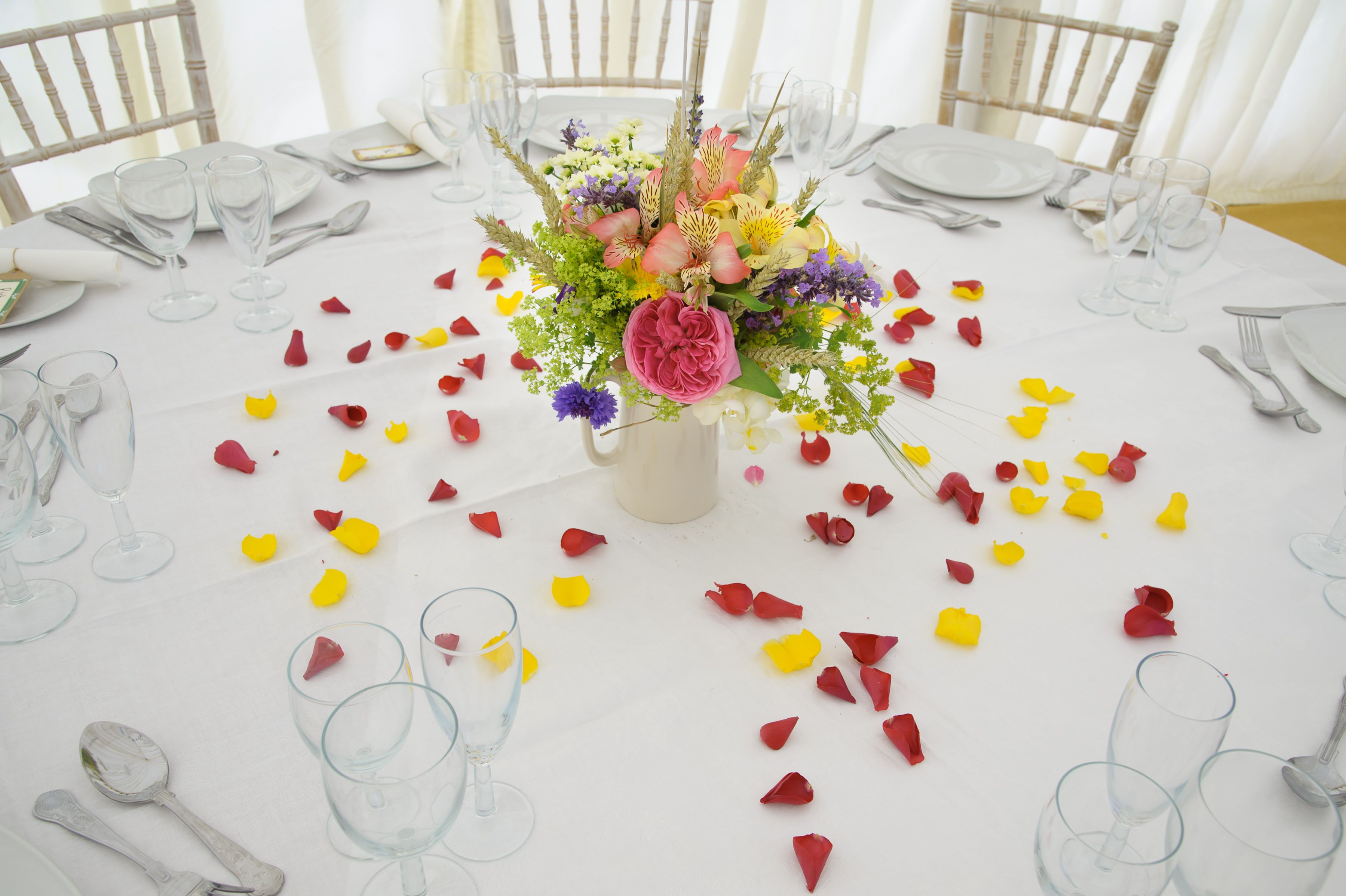 Larger Petals Are Perfect As Table Confetti Create A Beautiful For That Special Moment